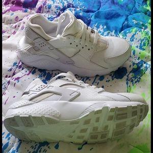 Kids White Nike Hurrache